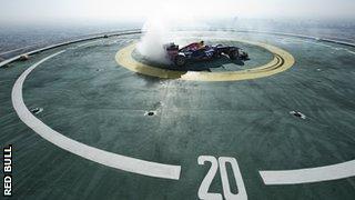 David Coulthard doing 'doughnut' spins on the Burj Al Arab in Dubai