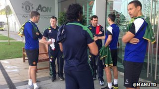 Manchester United players meet members of Australia's Rugby League squad