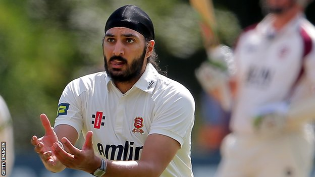 Monty Panesar in action for Essex