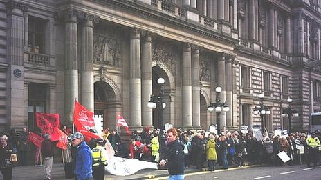 Pupils support assistants outside Glasgow City Chambers