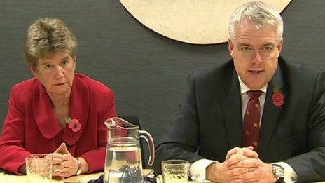 Finance Minister Jane Hutt and First Minister Carwyn Jones