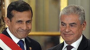 Peruvian President Humala, left, and prime minister Villanueva