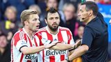 Sunderland's Andrea Dossena is sent off against Hull