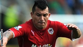 Gary Medel playing for Cardiff
