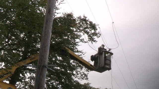 Engineer repairing power line