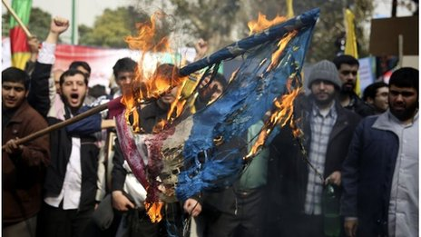 Anti-US rally in Tehran (04/11/13)