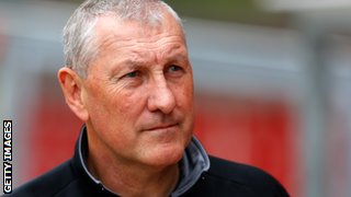 Terry Butcher agrees to become the new Hibs manager