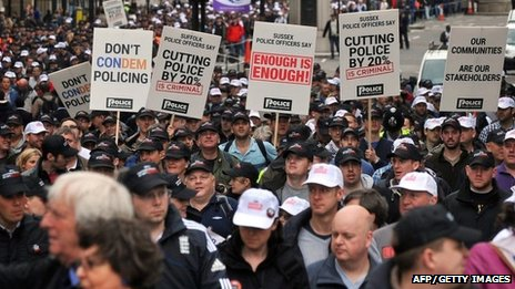 Off-duty police officers rally in central London