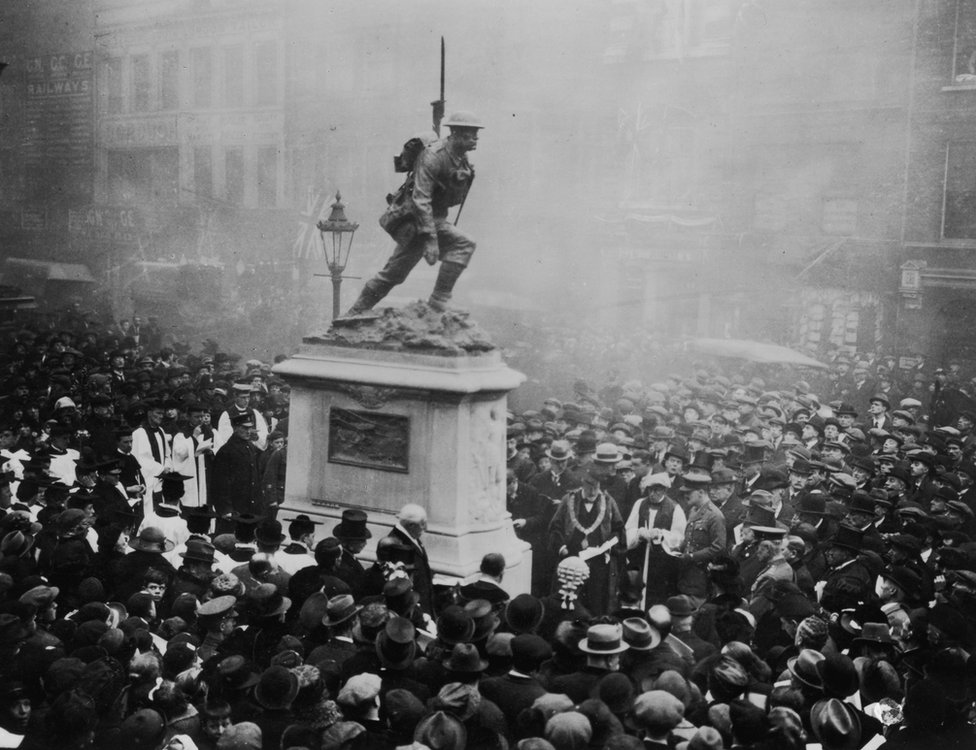 Lord Home unveils a war memorial in Southwark, London