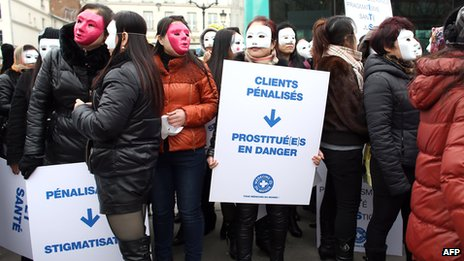 Prostitutes in Paris, 16 Mar 12