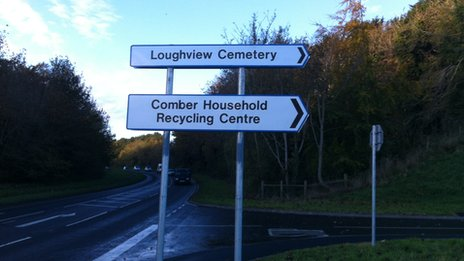 Amended road sign