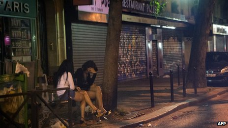 Prostitutes in Paris, 4 Aug 13
