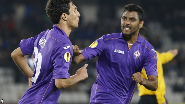 Fiorentina's Ryder Matos and Marvin Compper celebrate