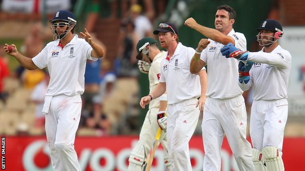 Alastair Cook, Paul Collingwood, Kevin Pietersen and Matt Prior call for a decision review