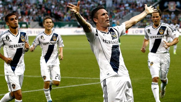 Robbie Keane celebrates with LA Galaxy team-mates