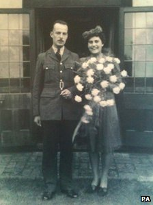 Henry and Mary Collins on their wedding day in 1945