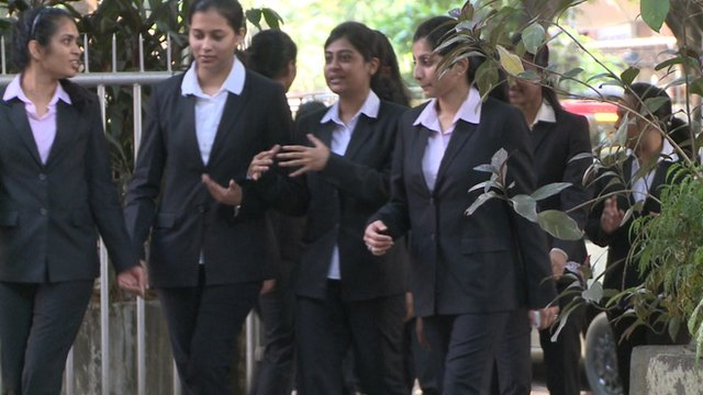 Young women training to become managers of the future