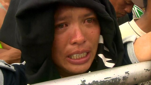 Philippines devastation is 'bedlam'