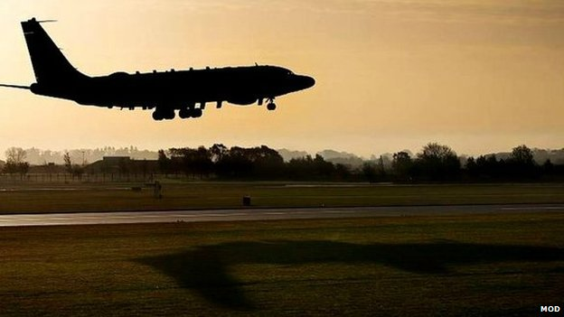 Rivet Joint aircraft arriving at RAF Waddington