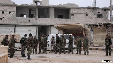 Forces loyal to President Bashar al-Assad in Tal Aran, near Aleppo (12 November 2013)