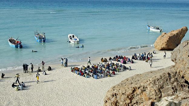 Migrants waiting to cross to Yemen
