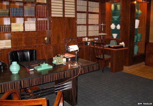 Poirot's study