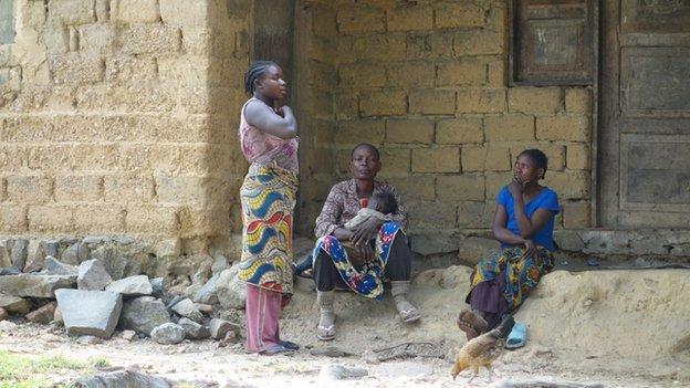 Mvuzi villagers, DR Congo