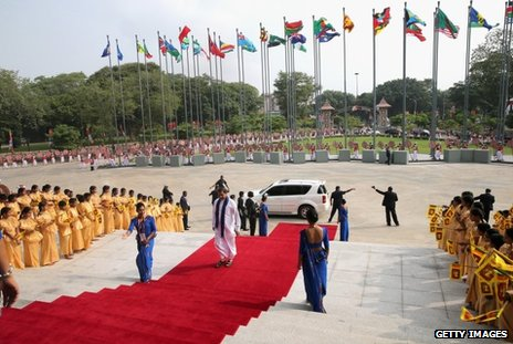 Delegates arrive in Sri Lanka