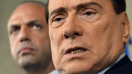 Berlusconi centre-right party splits