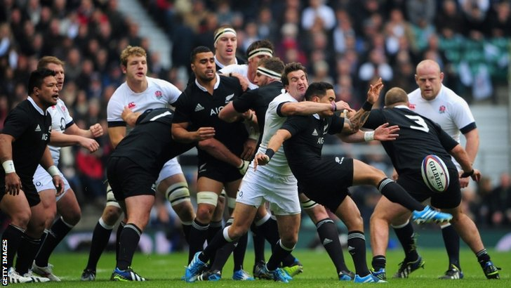 England get stuck into New Zealand