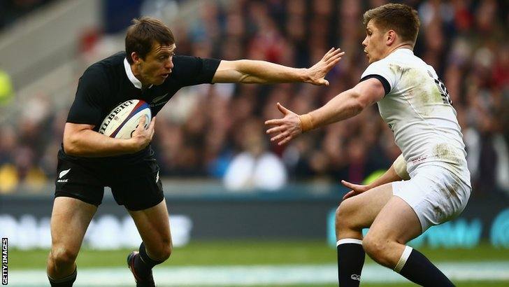 Ben Smith holds off Owen Farrell
