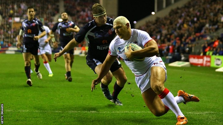 Ryan Hall scores his second try