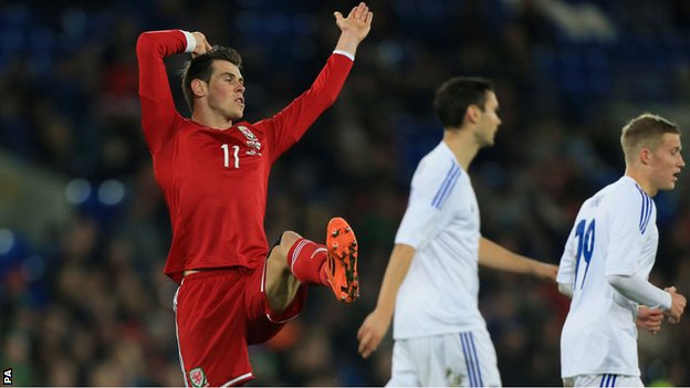 Wales' Gareth Bale reacts in frustration against Finland