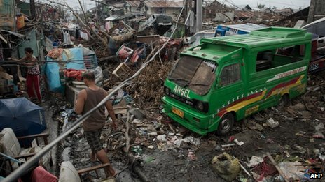 Typhoon survivors in Tacloban. Photo: 17 November 2013