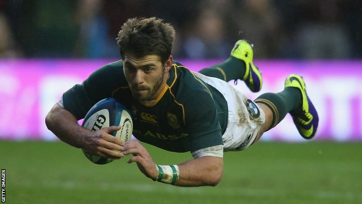 Willie Le Roux scores