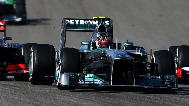 Lewis Hamilton expresses his frustrations to his Mercedes engineers during the United States Grand Prix.