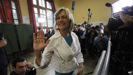 Evelyn Matthei voting, 17 Nov 2013
