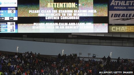 Evacuation warning at Chicago's stadium. Photo: 17 November 2013