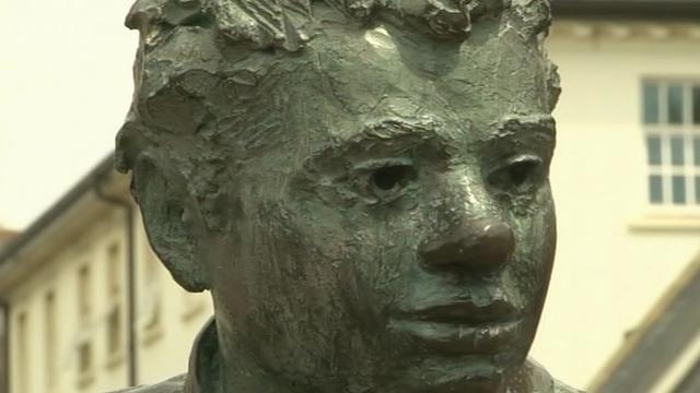 Dylan Thomas bust