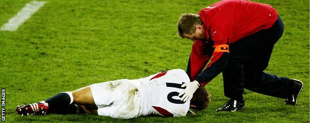 Jonny Wilkinson lies injured in the 2003 World Cup final