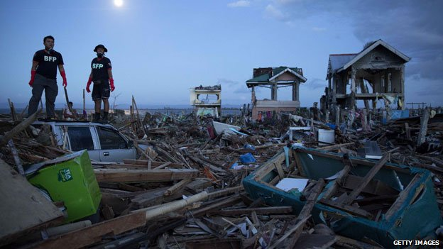 Workers searching for bodies in Tacloban