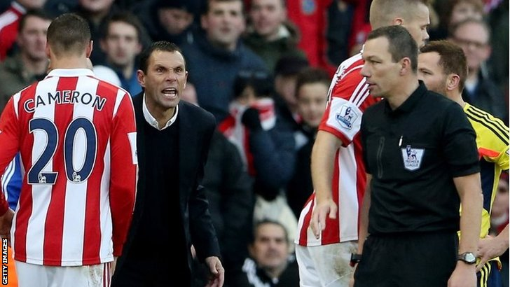 Angry Gus Poyet