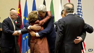 Foreign ministers hugging in Geneva, 24/11