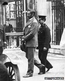 Roger Casement in handcuffs