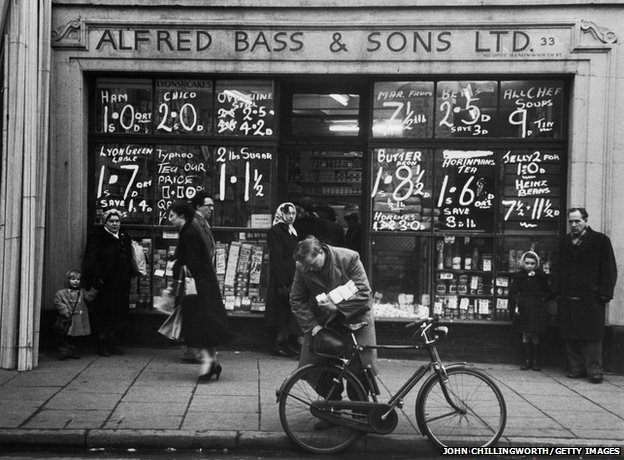 Alfred Bass & Sons in Greenwich, 1955