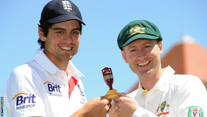 England captain Alistair Cook (L) and Australian captain Michael Clarke