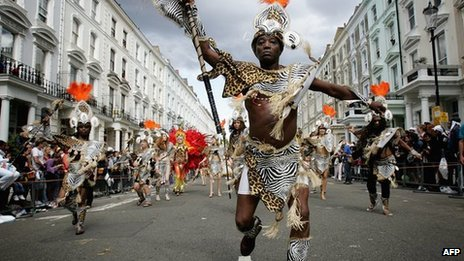 Dancers at a carnival in London (28 August 2006)