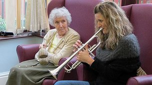 Manchester Camerata musicians are taking part in music therapy sessions in care homes