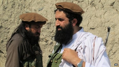 Pakistani Taliban spokesman Shahidullah Shahid (right)