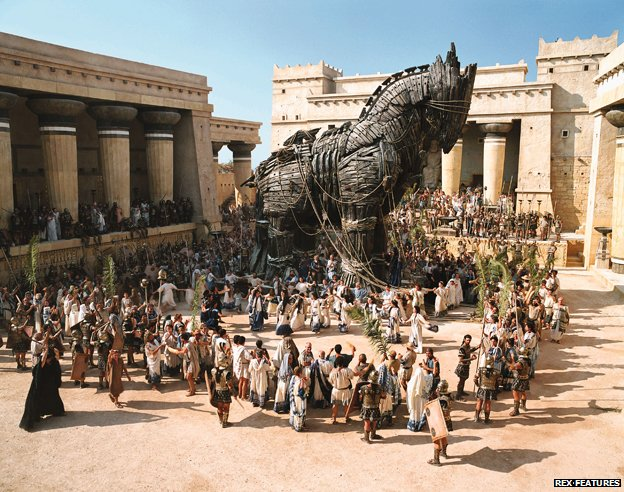 "Scene from 2004 film ""Troy"" showing Trojan horse"